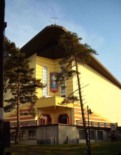 kosciol- jastrzebia-gora2
