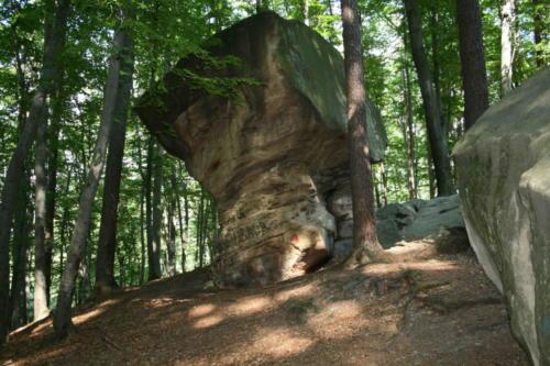 kamienie brodzinskiego-jpg