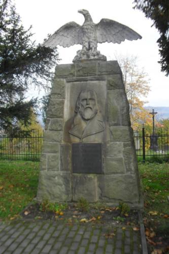 istebna-pomnik 2