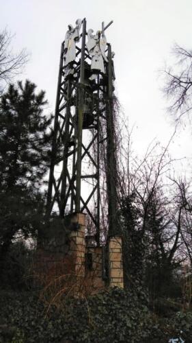 ogrod dzwonnica z aniolami-foto r.frej