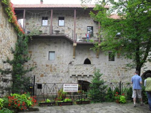 zamek-tropsztyn-dziedziniec