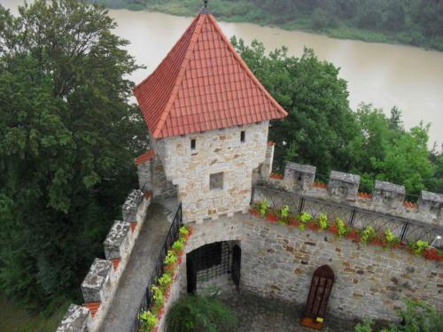 zamek-tropsztyn-w-wytrzyszczce-widok-z-wiezy